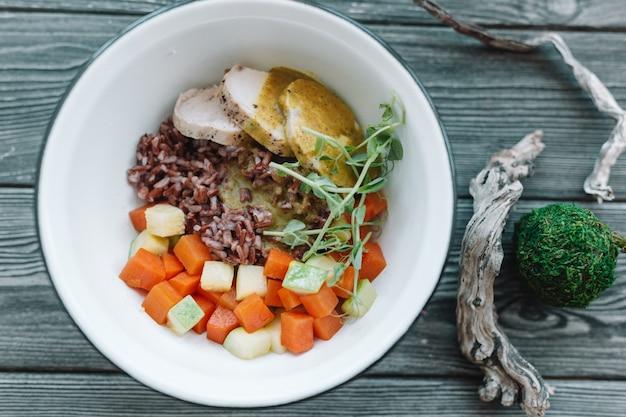 Healthy vegan salad in white plate Premium Photo