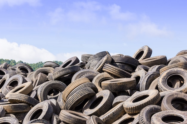 Heap of old tires Premium Photo