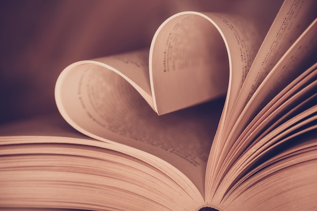 Heart book page - vintage effect style pictures Premium Photo