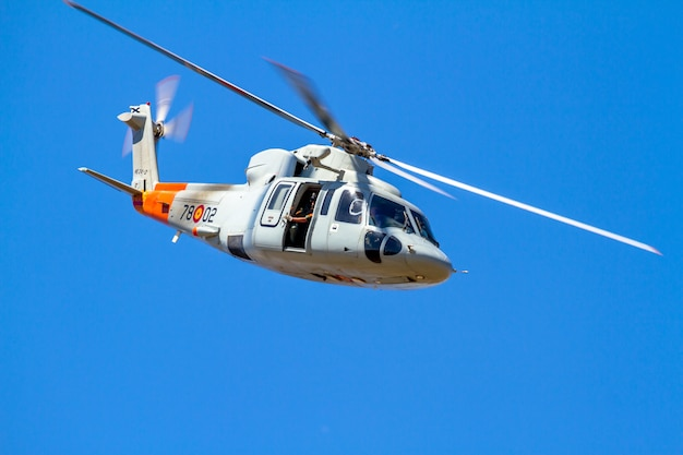 Helicopter sikorsky s-76c Premium Photo