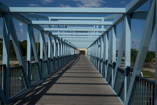 ミネソタ州ミネアポリスのhennepin郡のirene hixon whitney bridge Premium写真