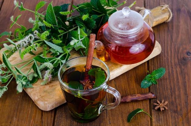 Herbal tea with mint and honey. photo Premium Photo