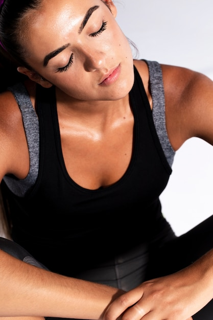 High angle athlete woman with closed eyes Free Photo