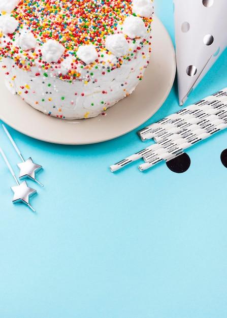 Торт большой со взбитыми сливками Бесплатные Фотографии