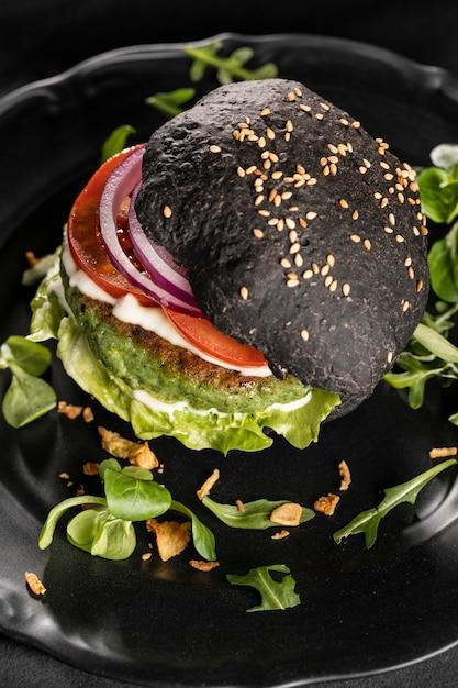 높은 각도 맛있는 햄버거 구성 무료 사진