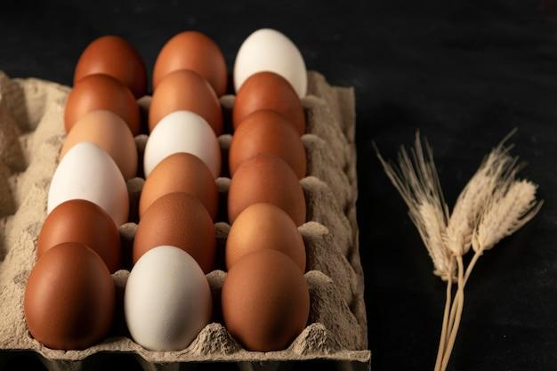 Картонная коробка для яиц под большим углом Бесплатные Фотографии