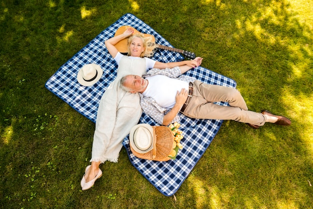 High angle elderly couple relaxing Free Photo