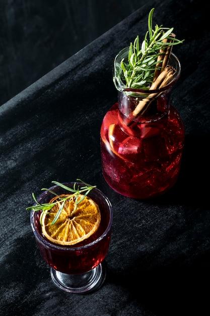 Бокалы под высоким углом для фруктовых напитков Бесплатные Фотографии