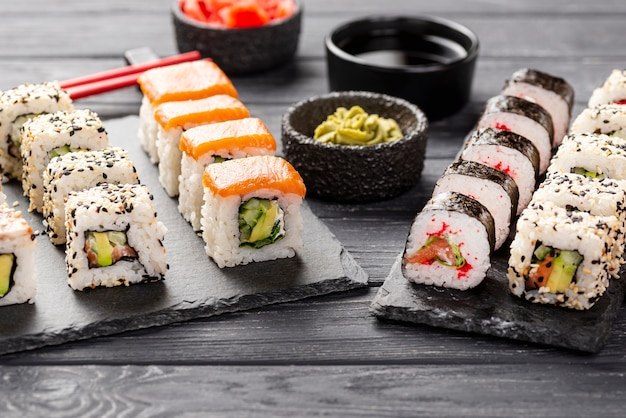 High angle maki sushi assortment on slate Free Photo