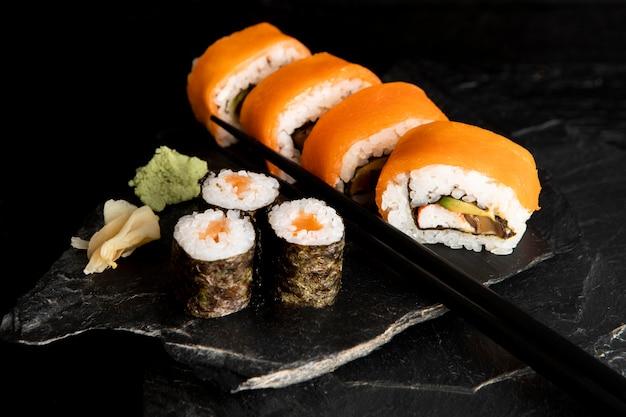 美味しいお寿司のコンセプトのハイアングル 無料写真