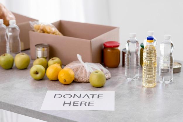 Большой угол еды для пожертвований Бесплатные Фотографии