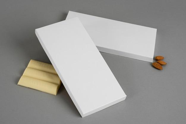 Высокий угол плитки белого шоколада с копией пространства Бесплатные Фотографии