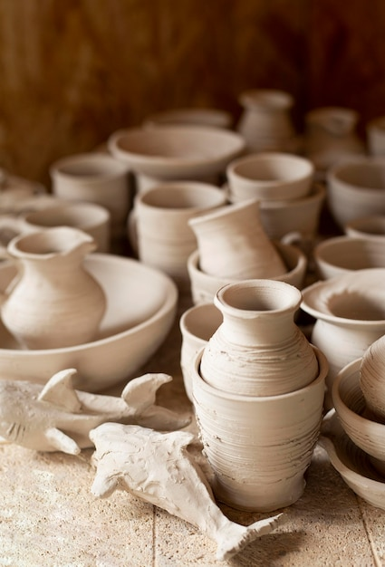 Alta vista laboratorio di ceramica al chiuso Foto Gratuite