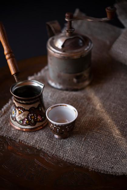 Высококачественный винтажный турецкий чайник для кофе Бесплатные Фотографии