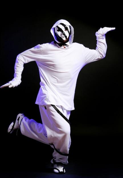 Танцор хип-хопа в танце Бесплатные Фотографии