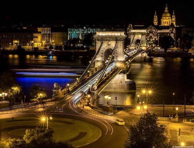 Storico ponte delle catene széchenyi, budapest, ungheria Foto Gratuite