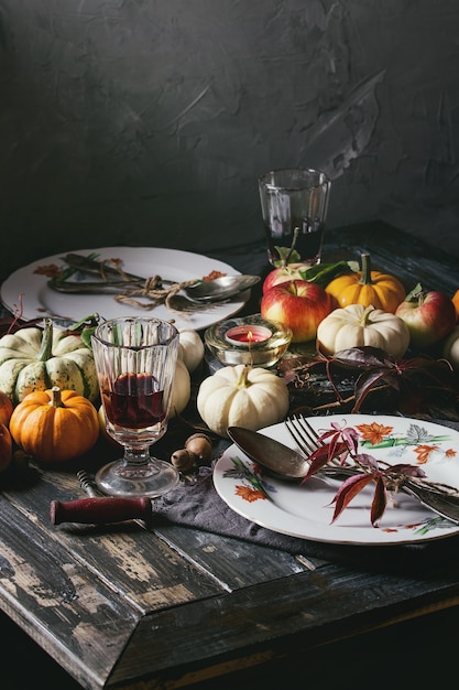 Holiday table decoration Premium Photo