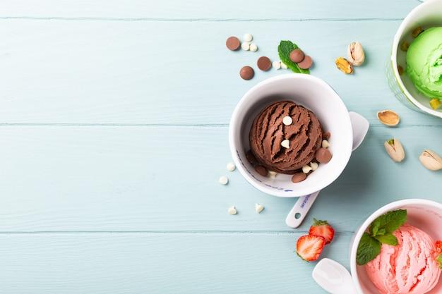 Homemade assorted ice cream in a bowl Premium Photo