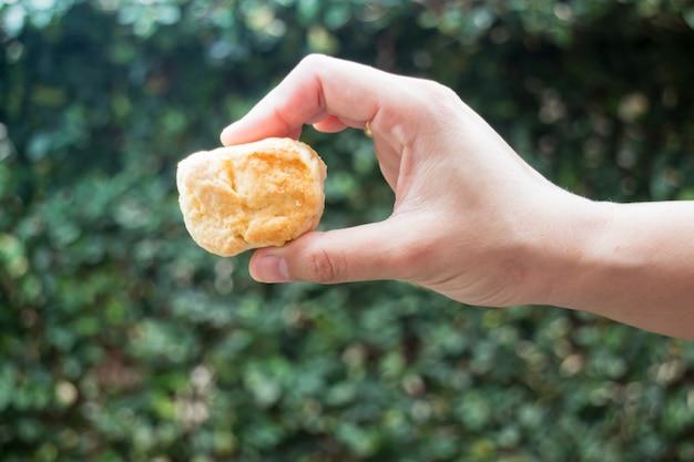 Homemade butter scone on hand Premium Photo