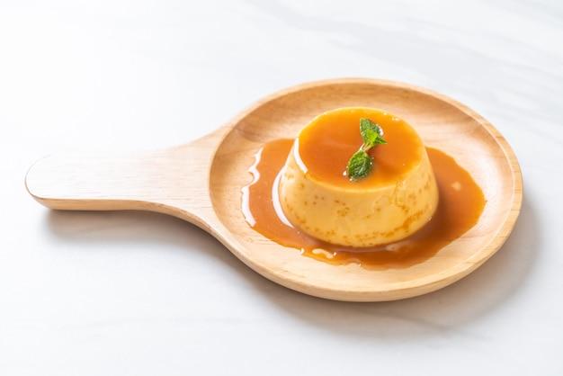 Homemade caramel custard pudding Premium Photo