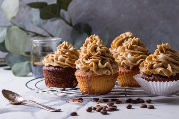 Homemade coffee cupcakes Premium Photo