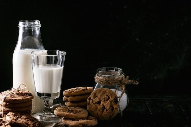 Homemade cookies with milk Premium Photo