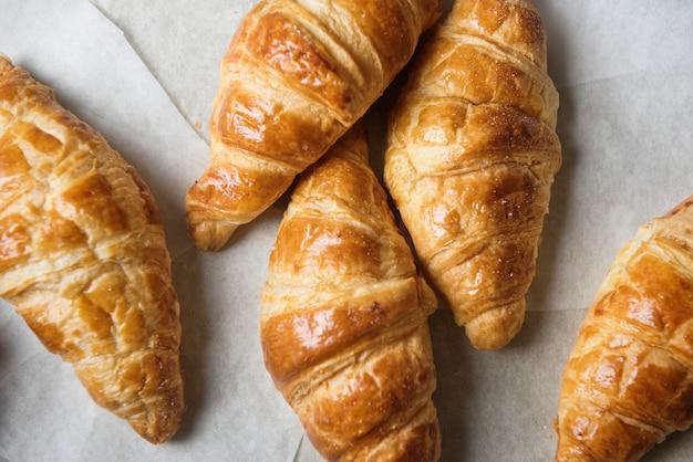 Homemade croissant food photography recipe idea Premium Photo