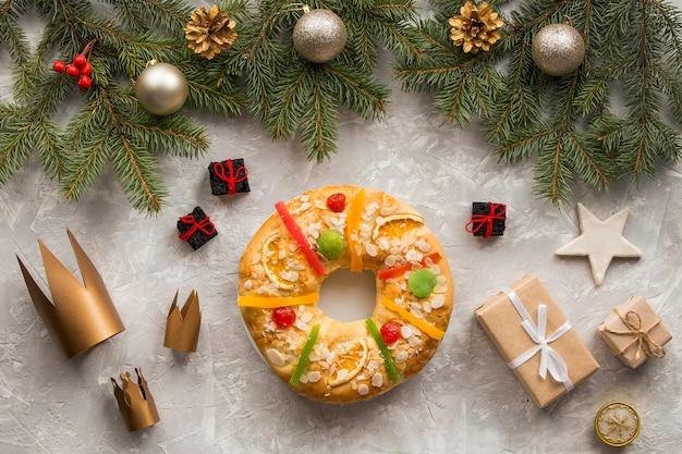 Домашние десертные короны и подарки на крещение Бесплатные Фотографии