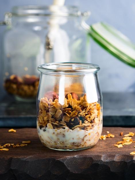Homemade granola with honey and chestnuts Premium Photo