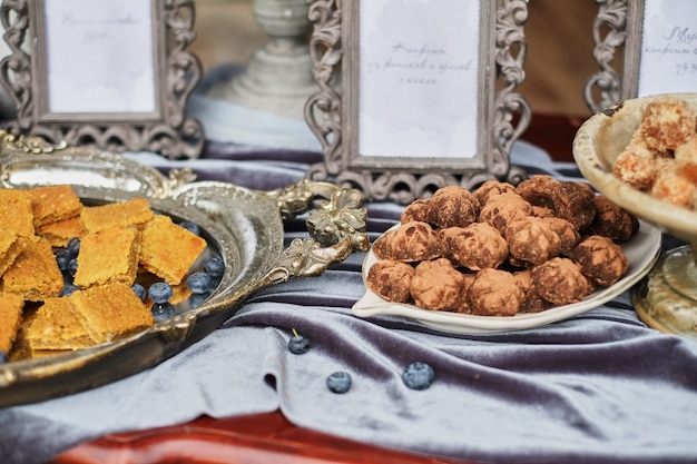 Homemade healthy vegan chocolate truffles with pistachio Premium Photo