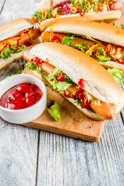Homemade hot dogs with sauces Premium Photo