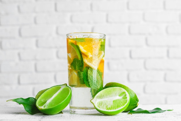 Homemade lemonade with lime and mint Premium Photo
