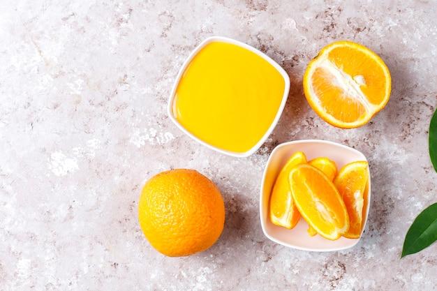 Домашний апельсиновый творог с сочными апельсинами. Бесплатные Фотографии