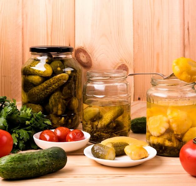 野菜と自家製ジャムのコンセプト 無料写真