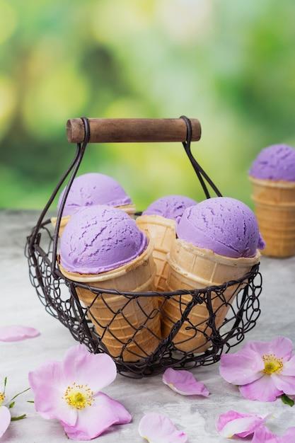 Homemade purple ube ice cream Premium Photo
