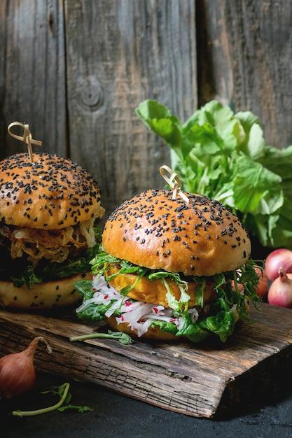 Homemade sweet potato burgers Premium Photo