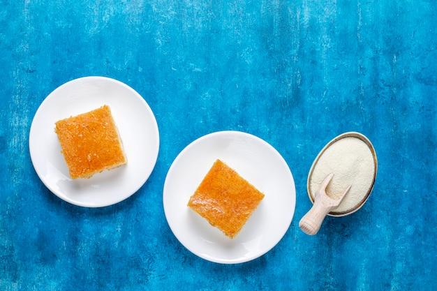自家製トルコデザートセモリナ粉。 無料写真