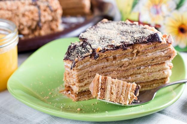 Premium Photo Honey Cake With Vanilla Cream Russian Honey Cake Medovik
