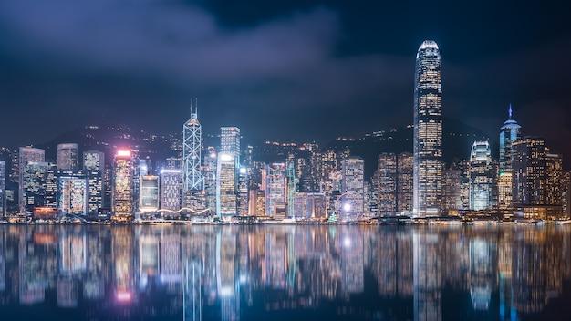 香港建築景観スカイラインナイトビュー Premium写真