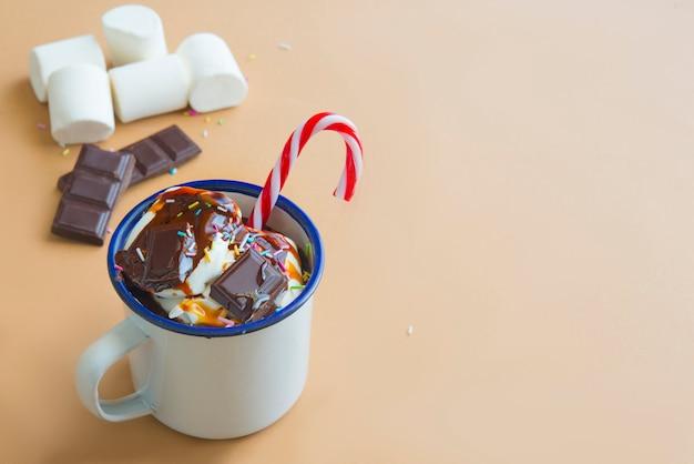 Горячий шоколад с зефиром Premium Фотографии