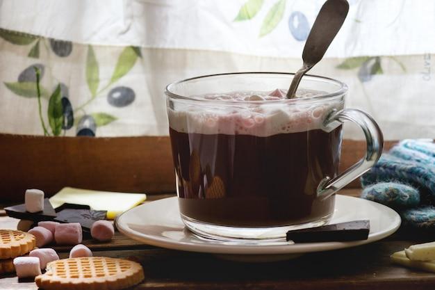 Hot chocolate with marshmallows Premium Photo