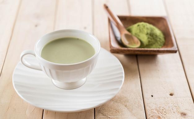 Hot matcha latte Premium Photo