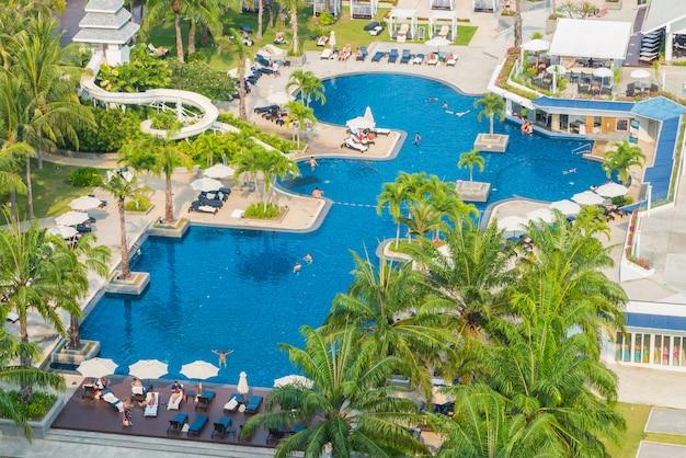 Hotel pool Free Photo