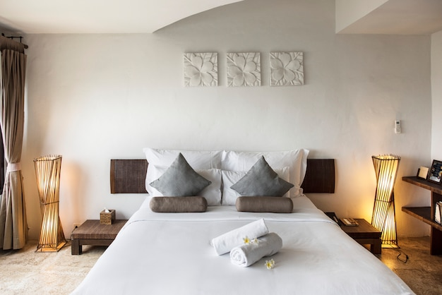 Hotel room at a luxury resort Premium Photo