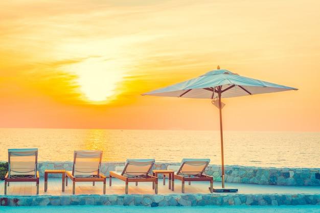Hotel swimming pool Free Photo
