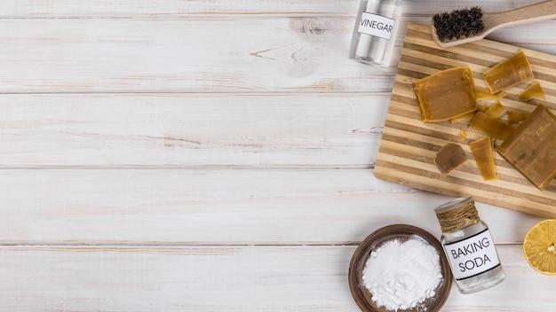 Домашние экологически чистые средства соль и домашнее мыло Бесплатные Фотографии