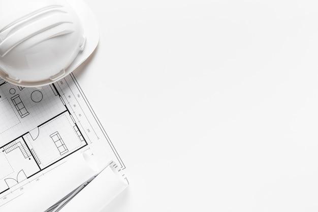 Проект дома на белой бумаге с копией пространства Premium Фотографии