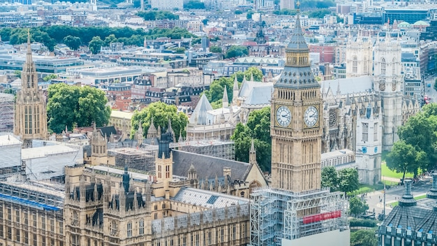The houses of parliament and bigben in london Premium Photo