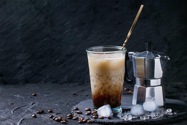 Ice coffee with cream Premium Photo