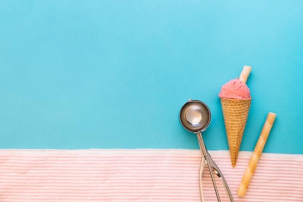 Ice cream concept with copyspace on left Free Photo